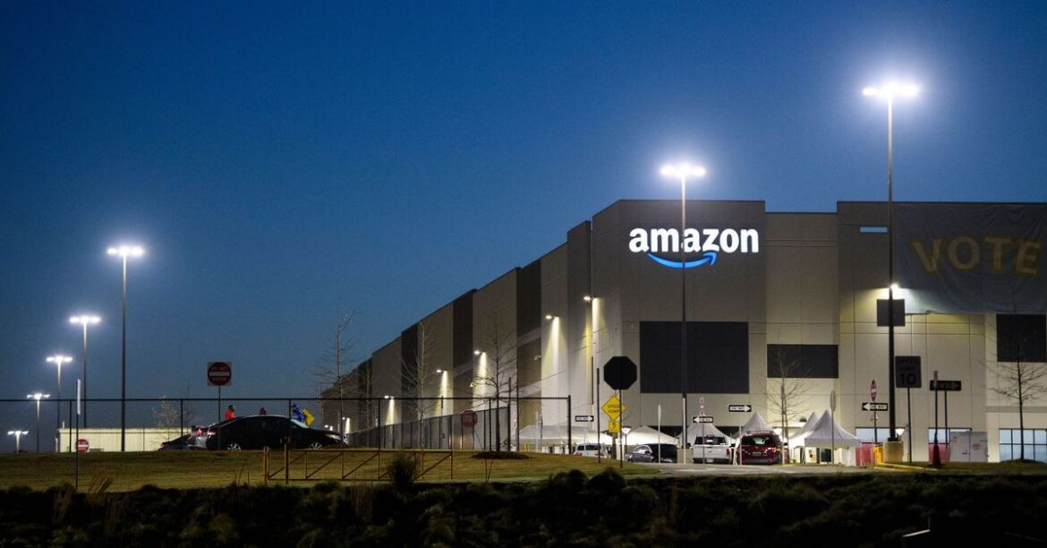 Amazon workers vote down Alabama union campaign